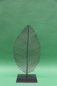 kleines Blatt  aus Stahl (2)