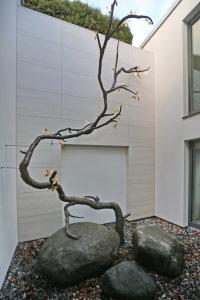 Baum aus Bronze (1)