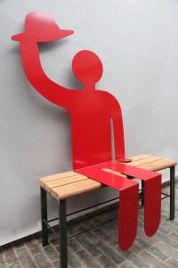 rote Skulptur (3)